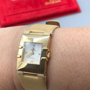 Omega Constellation 18k yellow gold women's watch